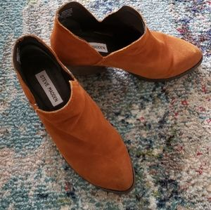 Steve Madden Whiskey color ankle booties